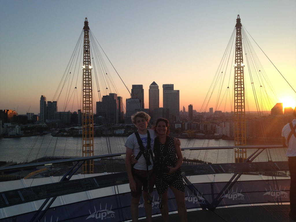 Sunset up the O2